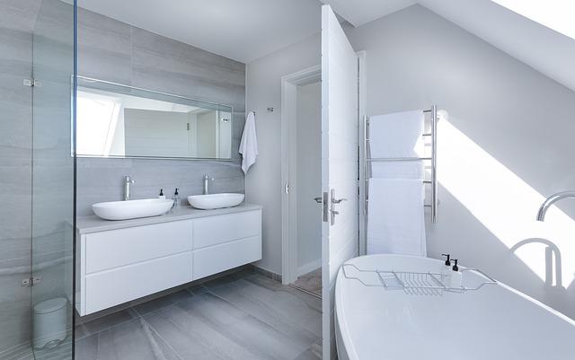 Clean and modern bathroom.