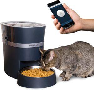 Best Automatic Dog Feeder: PetSafe SmartFeed.